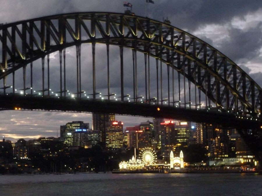 AUSTRALIA - Harbour Bridge in Sydney
