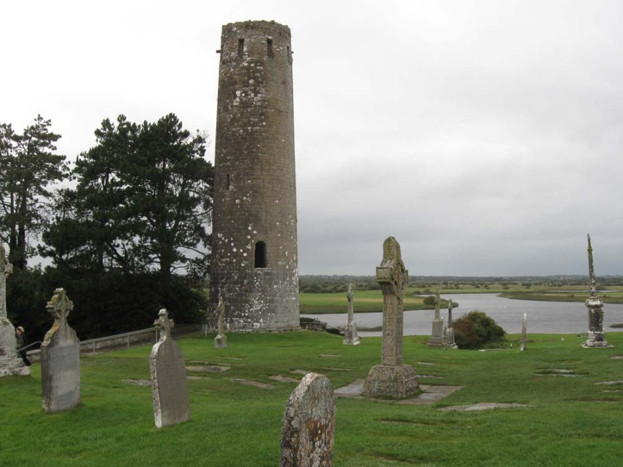IRELAND - Clonmacnoise Monastery on the River Shannon