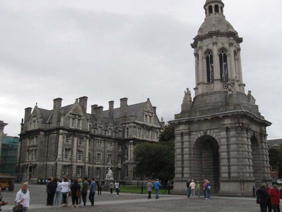 IRELAND - Trinity College in Dublin